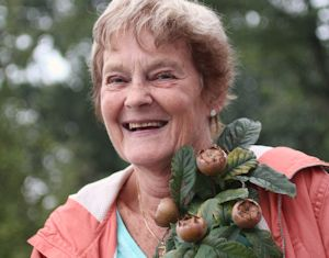 Pam with medlars 300